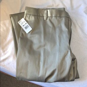 NWT Men's Dockers khaki pants